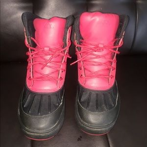 Nike Duck boots size 7 youth